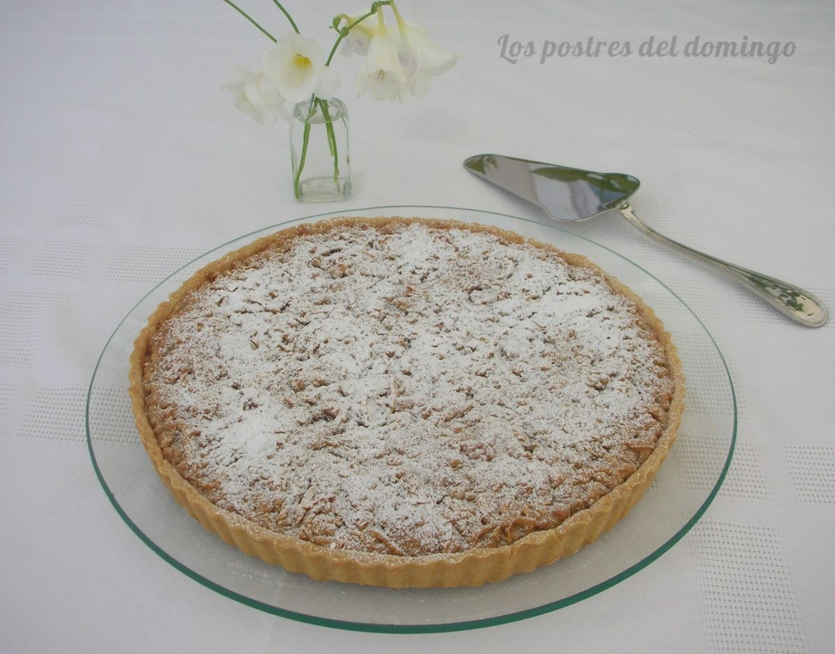 Tarta de almendra con cubierta de manzana