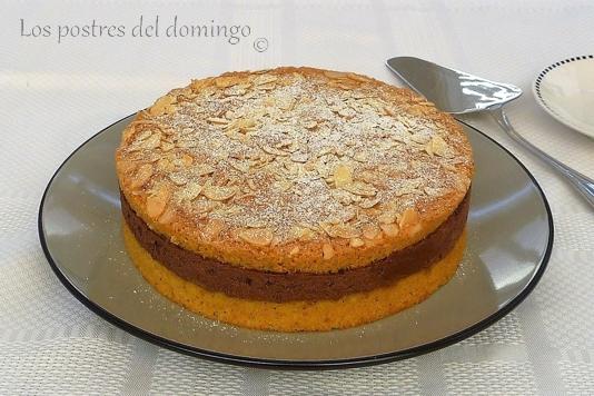 pastel de almendra y avellana